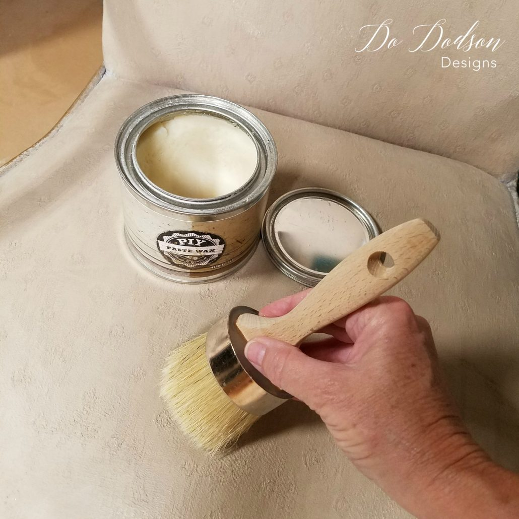 Adding wax over your fabric paint after it is dried, creates a smooth almost leather like finish. Yes, you can paint fabric on old chairs. #dododsondesigns #paintfabric #paintedfabric #fabricpaint #paintedfurniture