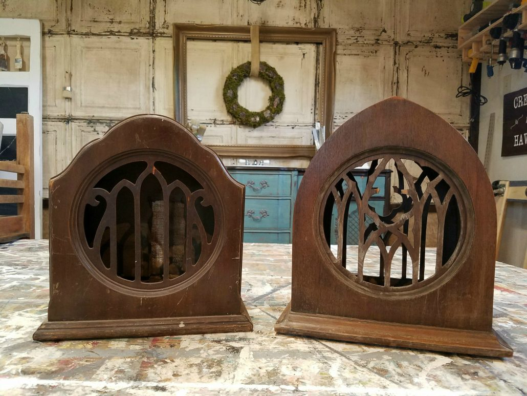 Come see the Farmhouse Makeover I did on these vintage speakers!