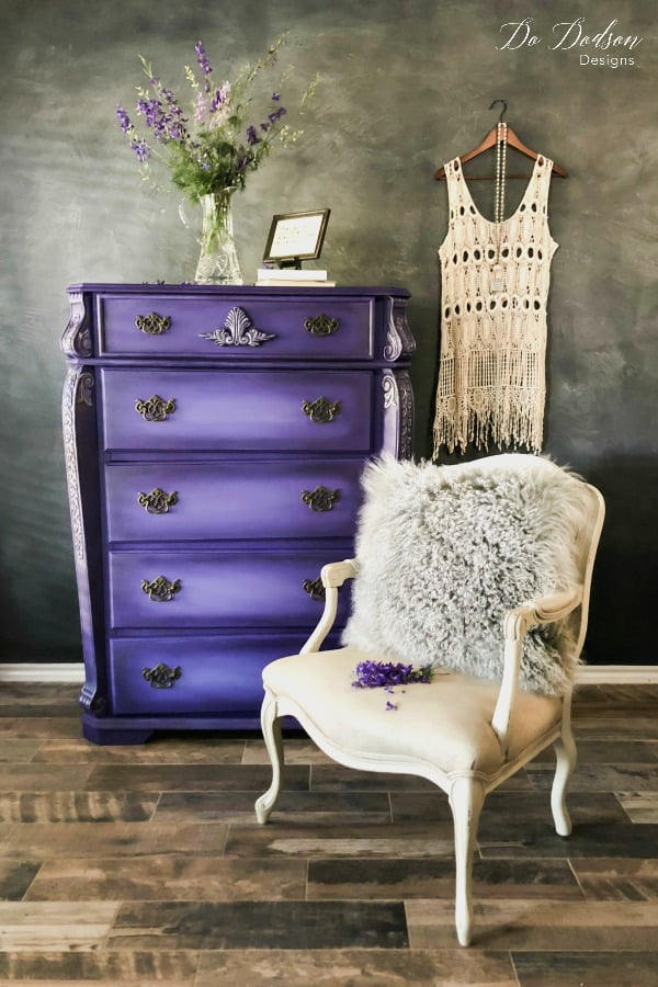 Using bright colors on furniture can really make a dramatic statement in the right setting.