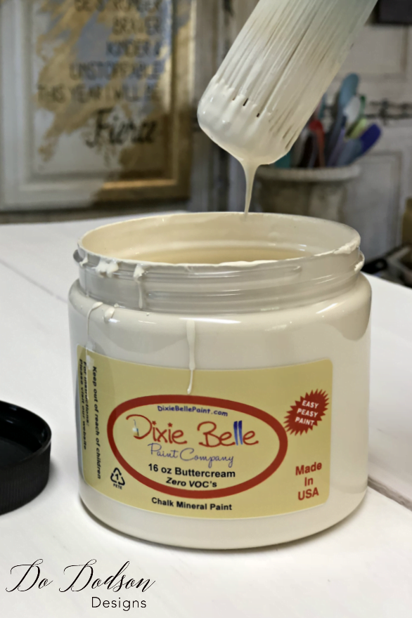 Ideas To Spark Your Next Farmhouse Glam Makeover with Dixie Belle Paint #dododsondesigns #farmhouseglam #farmhousemakeover #paintedfurniture