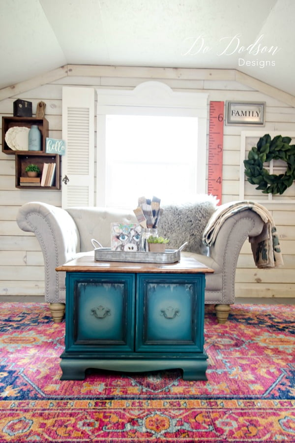 How I Created Different Furniture Paint Colors For My Modern Farmhouse #dododsondesigns #furniturepaintcolors #paintedtable #handpaintedfurniture #colormixing #mixingpaintcolors #paintedfurniture #furnituremakeover #farmhousestyle #modernfarmhouse #dixiebellepaint