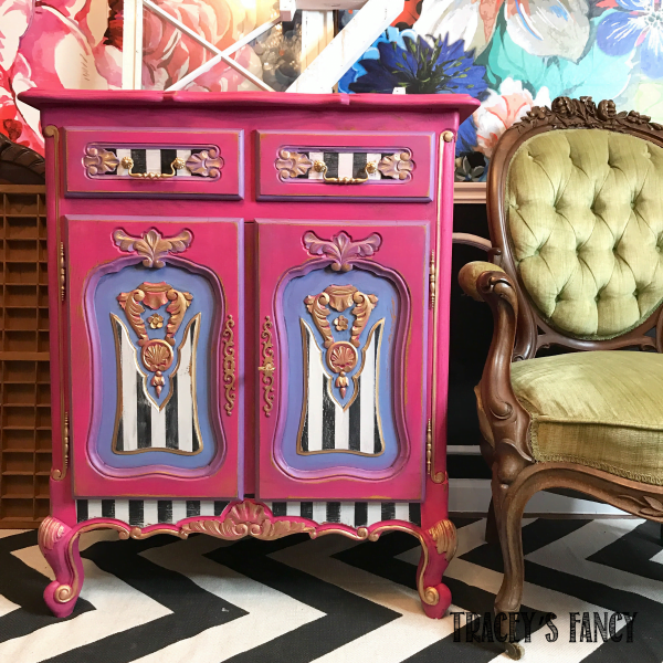 How I Created Different Furniture Paint Colors #furniturepaintcolors #paintedtable #handpaintedfurniture #colormixing #mixingpaintcolors #paintedfurniture #furnituremakeover #dixiebellepaint