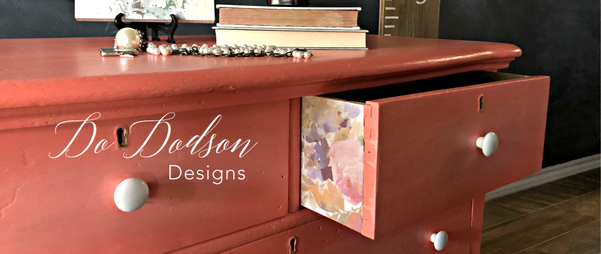 How To Decoupage On Wood Furniture #dododsondesigns #decoupageonwood #decoupage #paintedfurniture #diyproject #furnituremakeover