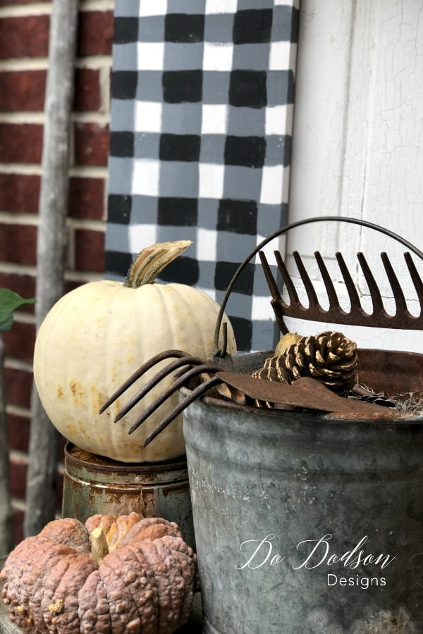 How To Paint An Amazing Buffalo Check Patterned Board For Your Fall Decor