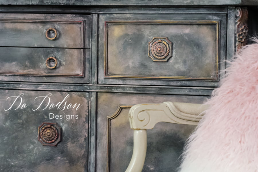 I LOVE this layered paint finish. Adding the Tea Rose chalk mineral paint and gold gilding wax added a subtle hint of pink. It almost looks like marble.