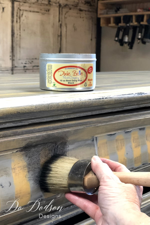 Because I used THE best chalk paint, I just had to use the Best Dang Wax. Seriously, that's the name of it. It really stands up to it's name. I added the black wax with my wax brush and made sure I got it into all the details.