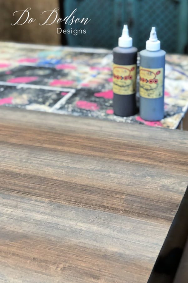 How to create a fax wood grain look with water based gel stains.