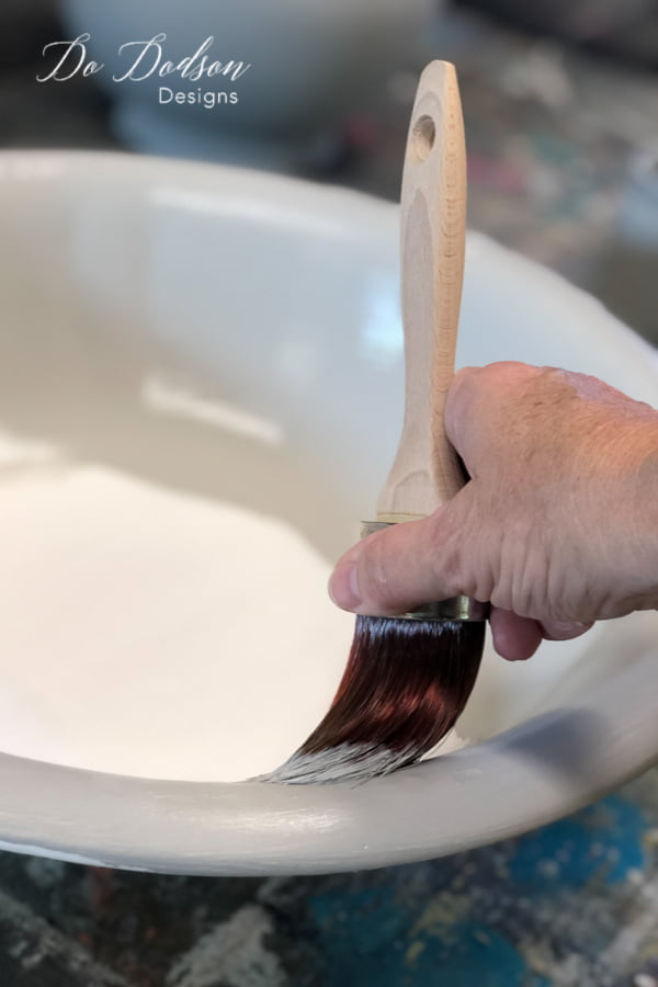 Apply your favorite color of chalk mineral paint to the ceramic vase/bowl after using the bonding primer.