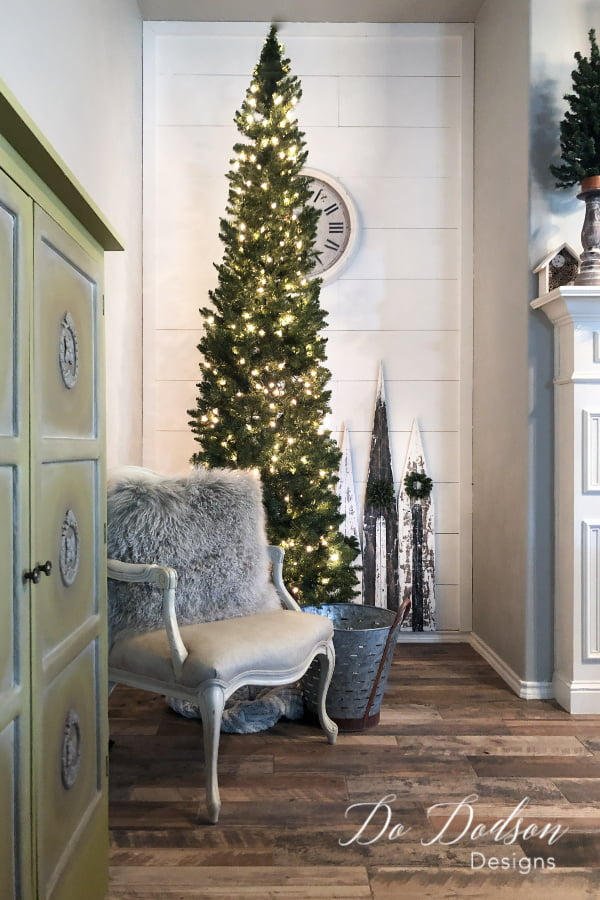 How to add rustic Christmas decor to your home on a budget.