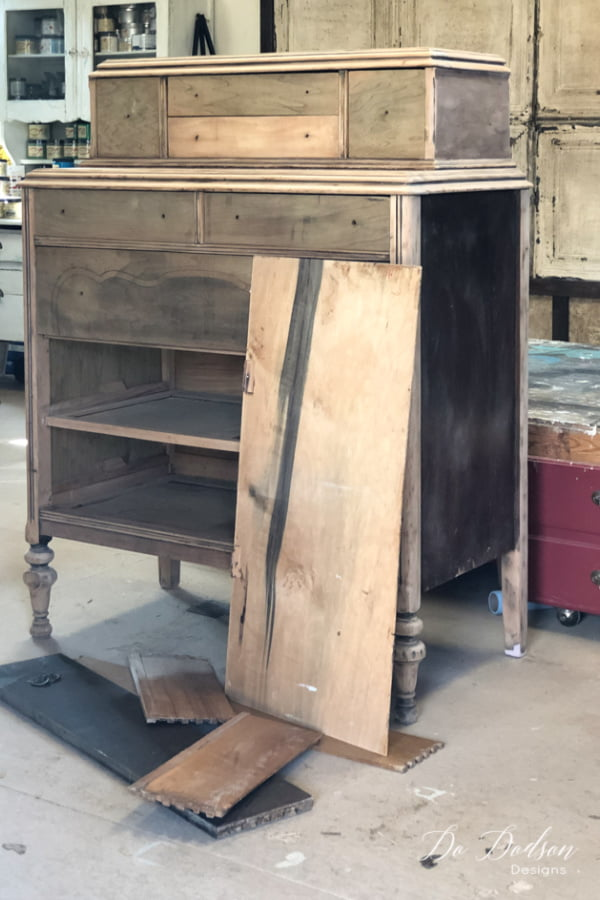 Don't pass up those Janky dressers. You can add shelves in those broken drawer spaces! Let me show you.