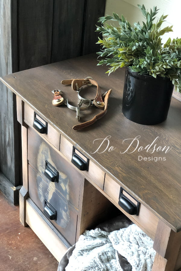 Easy how to DIY photo transfer you can apply on wood furniture.