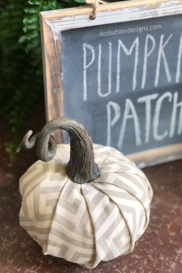 Quick & easy DIY pumpkin stems that will fool everyone.