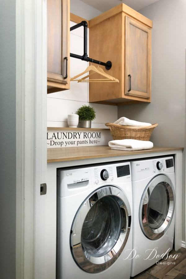 My favorite part of the this whole laundry room makeover is the cool industrial hardware.  It's a great look and compliments my  modern farmhouse decor.