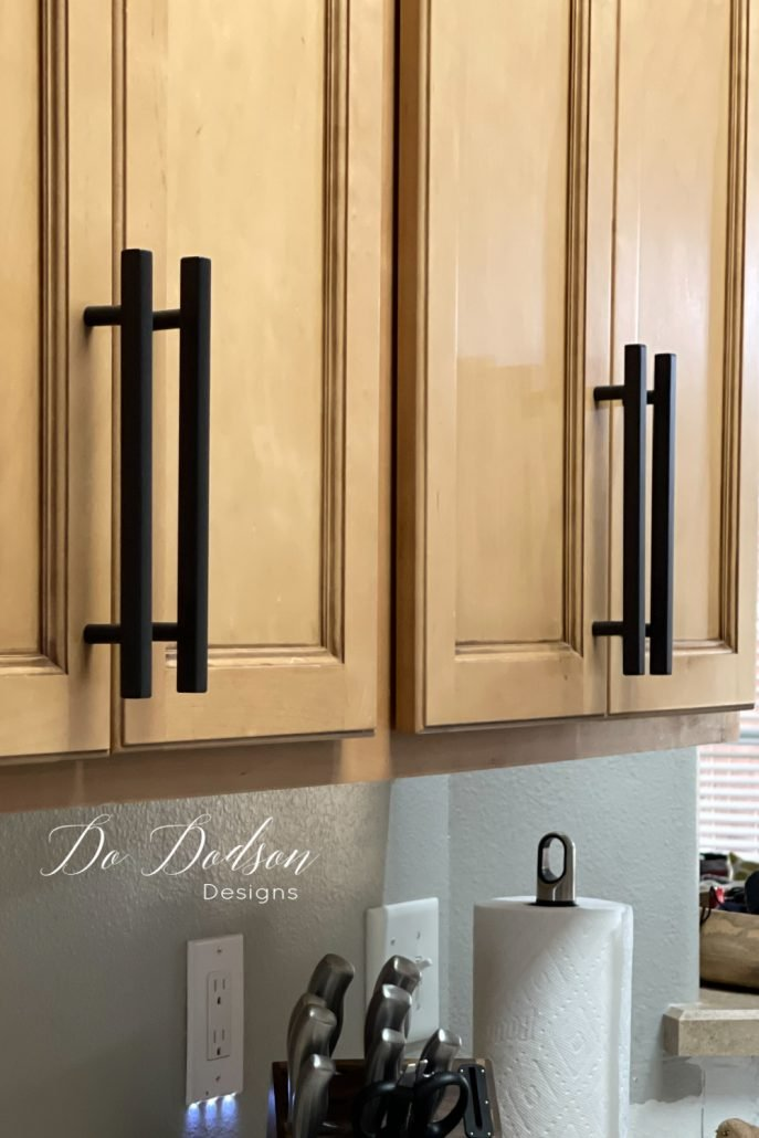 Learn how I installed these gorgeous, budget-friendly black kitchen cabinet pulls and got the perfect placement. You'll thank me later!