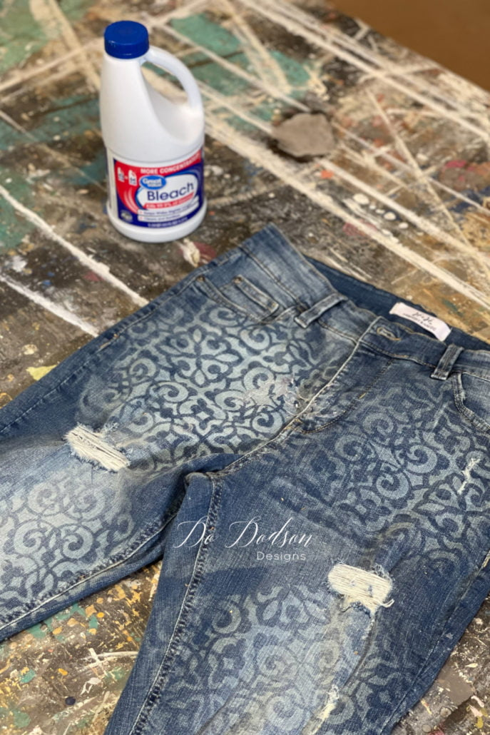 Here are the results of me stenciling my jeans with bleach. Tell me what you think! Have you tried it?