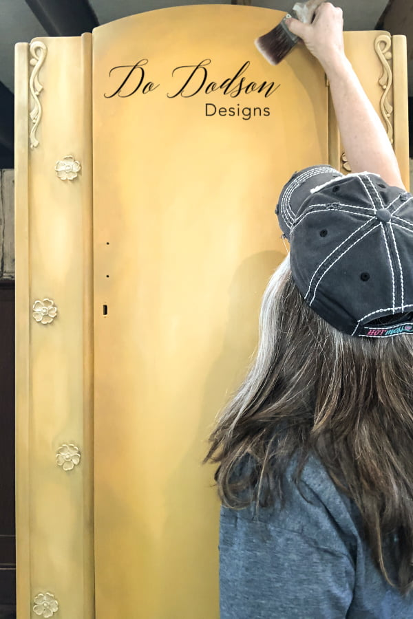 By far the most popular of all furniture painting techniques are blending multiple chalk paint colors together. You can master this look too. DIY Tutorial