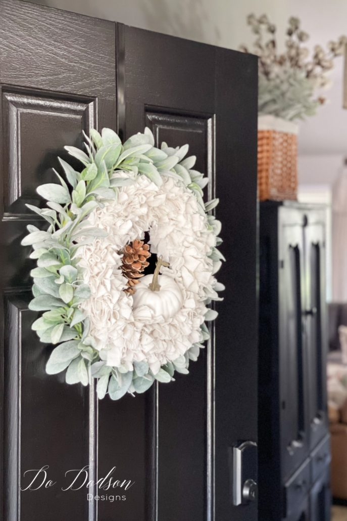 Make this amazing Fall wreath with drop cloth in less than an hour. Get the step by step tutorial with pictures on the blog now.